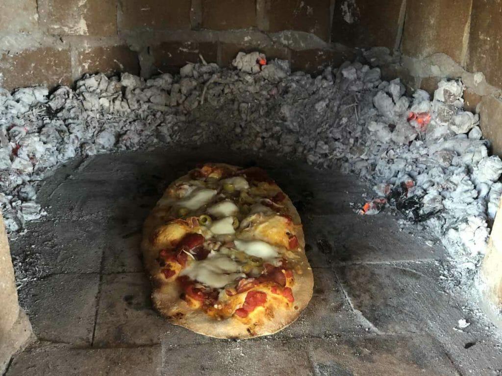 Pizza al horno de lena
